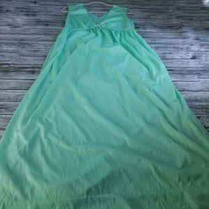 Vintage 60s 70s Seafoam Mint Green Maxi Nightgown
